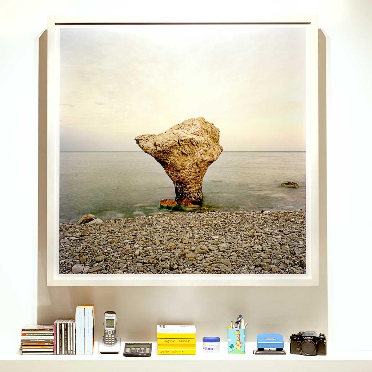 Roseto Capo Spulico, Scoglio Incudine - Fotografia Fine Art di Luca Tamagnini - Formato 100 x 100 cm - Catalogo 2017-013