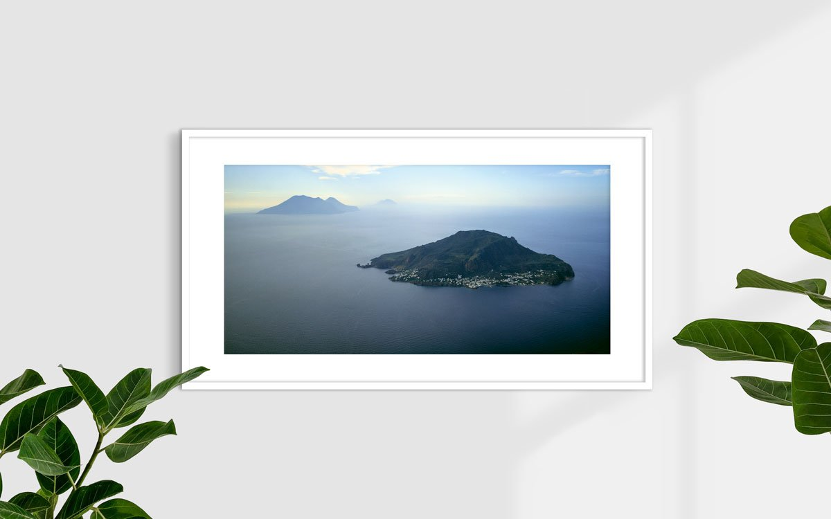Isole Eolie, Isola di Panarea - Fotografia Fine Art di Luca Tamagnini 110 x 50 cm - Catalogo 1987-003