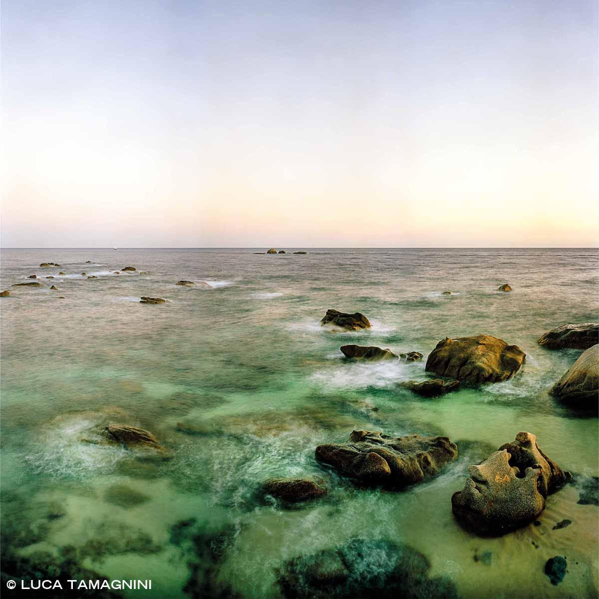 Villasimius, Capo Carbonara, Punta Santo Stefano - Fotografia Fine Art di Luca Tamagnini - Formato 100 x 100 cm - Catalogo 2011-001