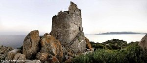 Isola di Serpentara, Torre di San Luigi - Fotografia Fine Art di Luca Tamagnini 110 x 50 cm - Catalogo 2012-009