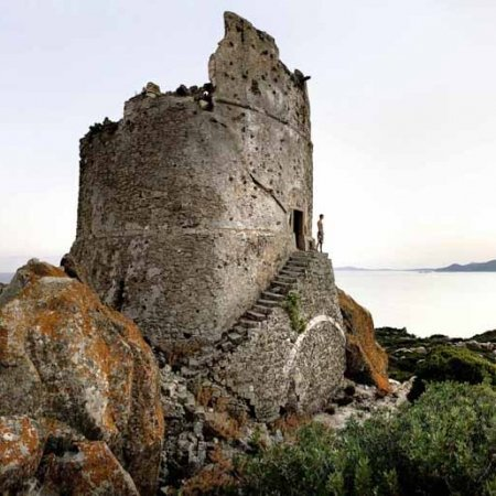 Isola di Serpentara, Torre di San Luigi - Fotografia Fine Art di Luca Tamagnini 110 x 50 cm - Catalogo 2012-009 - Vendita foto